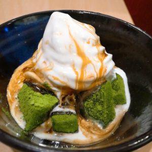 抹茶わらびもちソフト緑茶&黒蜜つき
